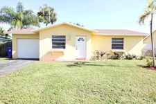 420 SW 74th Ave, North Lauderdale, FL 33068