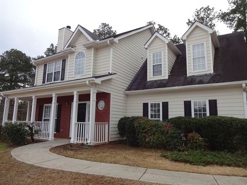 855 Scenic Lake Dr, Lawrenceville, GA 30045