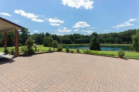 5662 E State Road 54, Bloomfield, IN 47424