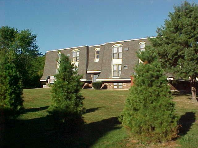 apartment for rent at 42 southpoint dr ste a amherst ma 01002. Black Bedroom Furniture Sets. Home Design Ideas