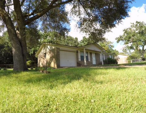 1250 W Kingsfield Rd, Cantonment, FL 32533