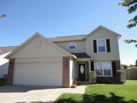 1101 Chateaugay Ct, New Whiteland, IN 46184
