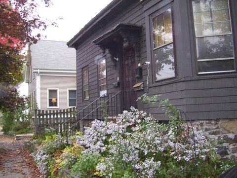 174 Pleasant St, Marblehead, MA 01945
