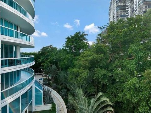 2127 Brickell Ave Apt 605, Miami, FL 33129