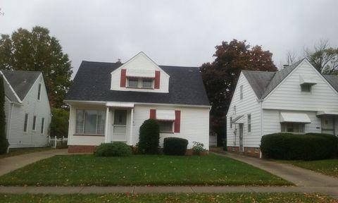 11800 Crofton Rd, Garfield Heights, OH 44125