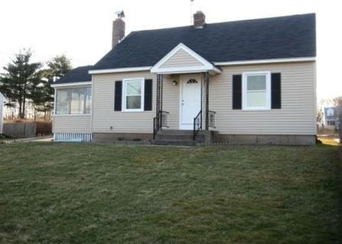 63 2nd St, Suffield, CT 06078