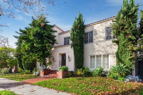 139 S Bedford Dr, Beverly Hills, CA 90212
