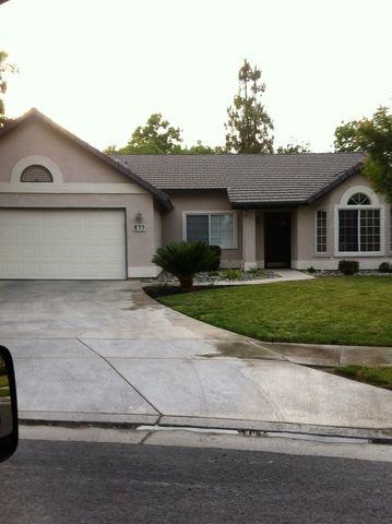 835 Wildwood Dr, Lemoore, CA 93245