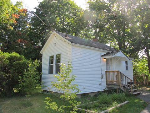 139 Lancaster Ave, Bangor, ME 04401