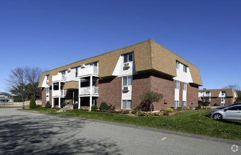 135 E Main St, Westborough, MA 01581
