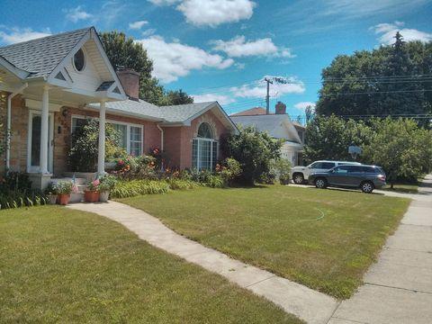 6935 N Mc Alpin Ave, Chicago, IL 60646
