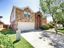 3932 Rochester Dr, Fort Worth, TX 76244