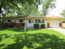 662 Coventry Ln, Crystal Lake, IL 60014