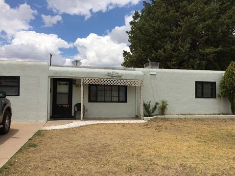 912 W Clayton Ave, Artesia, NM 88210