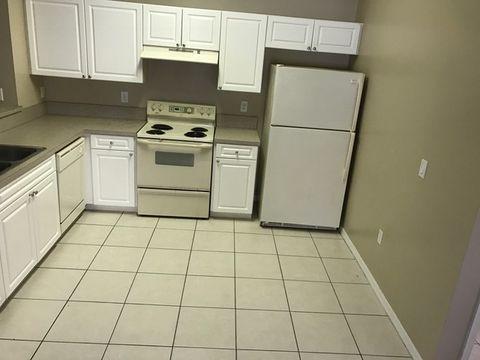 861 Bedford Dr, Lehigh Acres, FL 33974