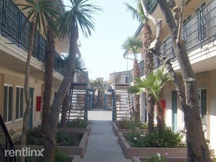 10302 Felton Ave Apt 6, Lennox, CA 90304