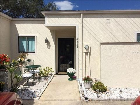 4325 Sussex St, Holiday, FL 34691