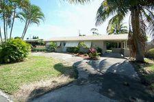 146 SE 27th Way, Boynton Beach, FL 33435