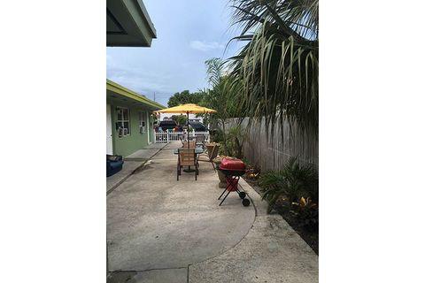 350 Nottingham Blvd Apt 3, West Palm Beach, FL 33405