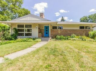 1530 Sherwood Ave Se, East Grand Rapids, MI 49506