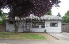170 W Exeter St, Gladstone, OR 97027