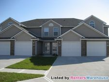 816 Sw Imperial Ln, Lees Summit, MO 64064