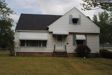 69 Greencroft Rd, Bedford, OH 44146