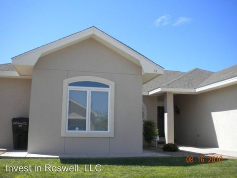 11 C E Tucker Ct, Roswell, NM 88201
