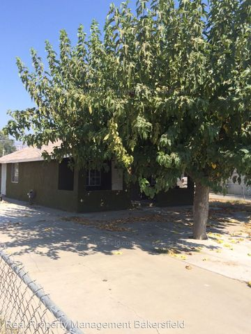616 Grove St, Arvin, CA 93203