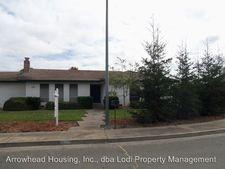 2242 Gateway Cir, Lodi, CA 95240