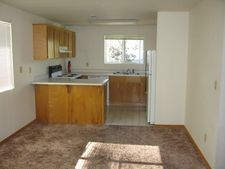 1826 Ne Fairview Ave #A, Grants Pass, OR 97526
