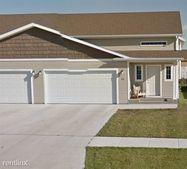 918 31st Ave W, West Fargo, ND 58078