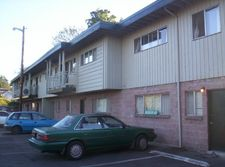 229 S 2nd St Apt 3, Springfield, OR 97477