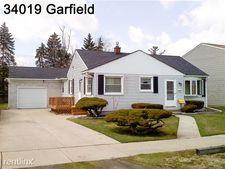 34019 Garfield Rd, Fraser, MI 48026