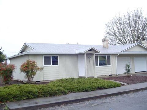 4606 Aster St, Springfield, OR 97478
