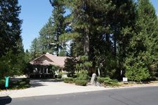 12861 Chatsworth Ln, Grass Valley, CA 95945