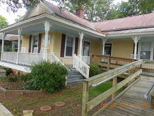 104 N Dickerson St Unit E, Burgaw, NC 28425