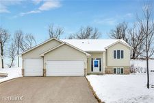 809 Quail Pkwy, Watertown, MN 55388