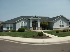 987 Greenway Ct, Eagle Point, OR 97524