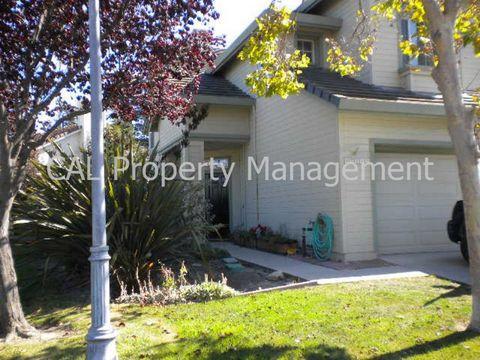 17552 Woodridge Ct, Salinas, CA 93908
