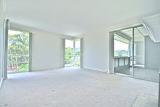2101 Carlmont Dr, Belmont, CA 94002