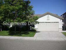 9019 Four Seasons Dr, Elk Grove, CA 95624