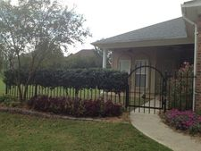 120 Courtyards Dr, Pearl, MS 39208