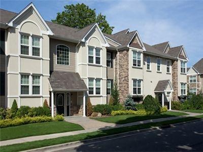 150 Secatogue Ave, Farmingdale, NY 11735
