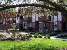 6128 Robinson St # 2, Overland Park, KS 66202