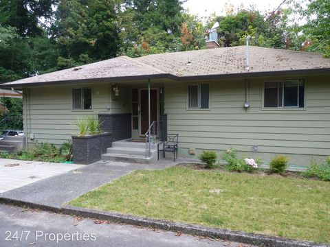 6423 Tompkins Ct, West Linn, OR 97068