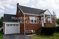 52 Myrtle St, Harrisonburg, VA 22802