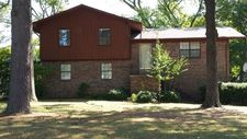 1804 Berry Place Dr, Conway, AR 72032