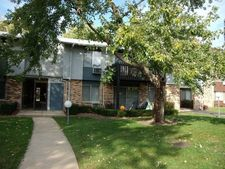 938 E Old Willow Rd Apt 202, Prospect Heights, IL 60070
