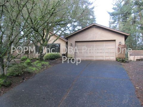 16493 S Arrowhead Dr, Oregon City, OR 97045